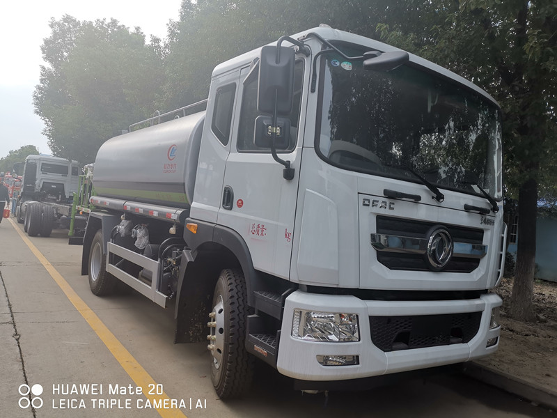 HOT SALE! Dongfeng D9 180hp 10,000Liters