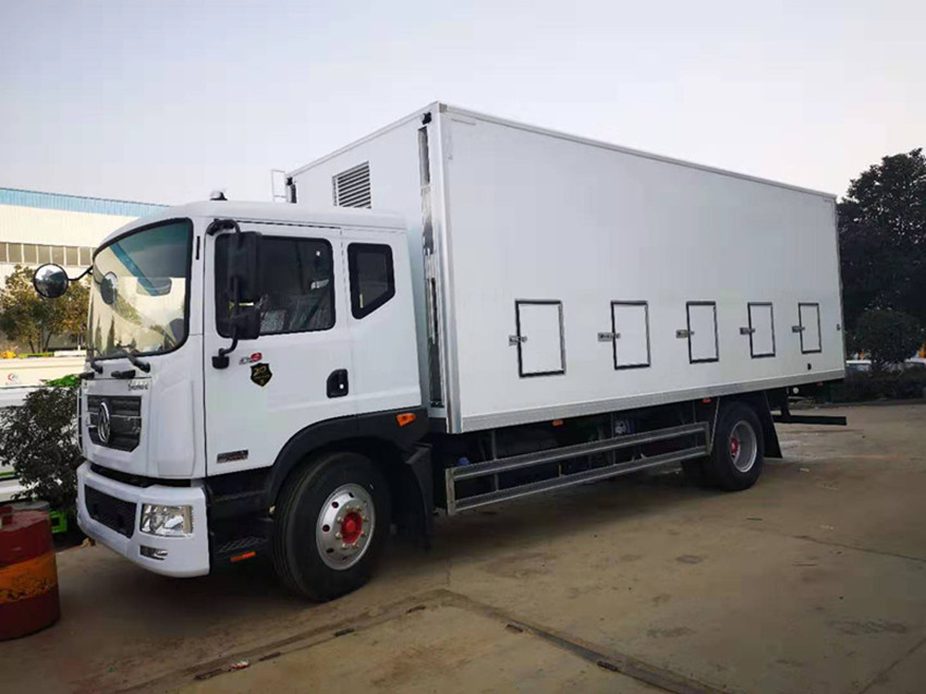 dongfeng D9 6.8m length Euro Ⅴ day old