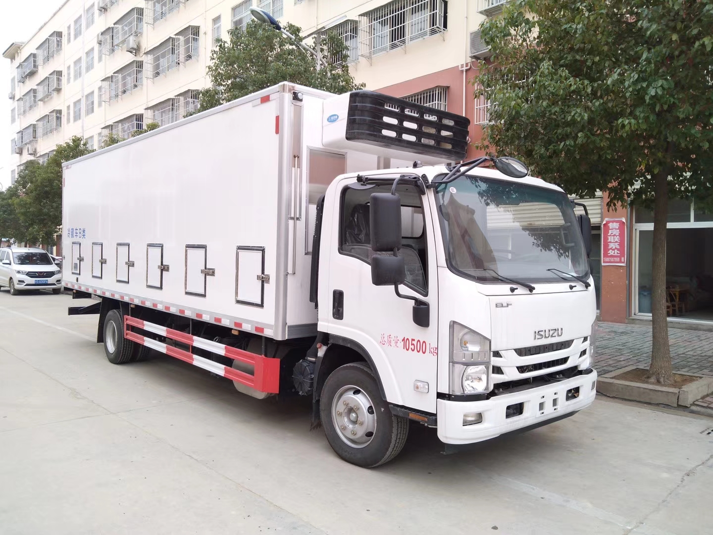 HOT SALE! ISUZU Euro 6 190hp diesel day o