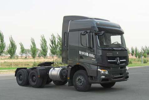 North Benz fuel semitrailer tractor truck